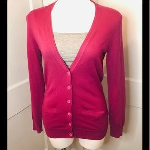 BANANA REPUBLIC fuchsia cardigan